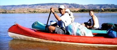 Madagascar trip, canoeing-down on the Manambolo river, Ravo.Madagascar picture