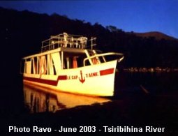 Trip in Madagascar, a basic-cruise on Tsiribihina river, Ravo.Madagascar pictures